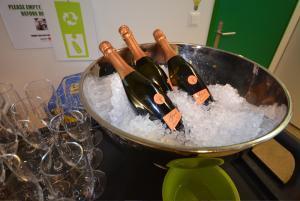 Google Award Champagne